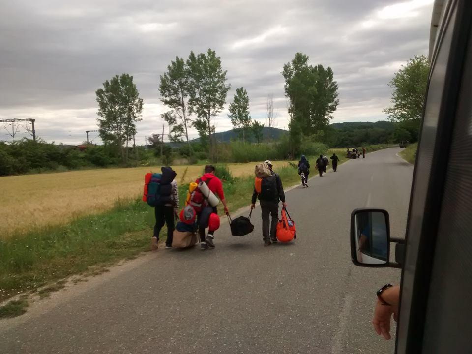 refugiados en camino